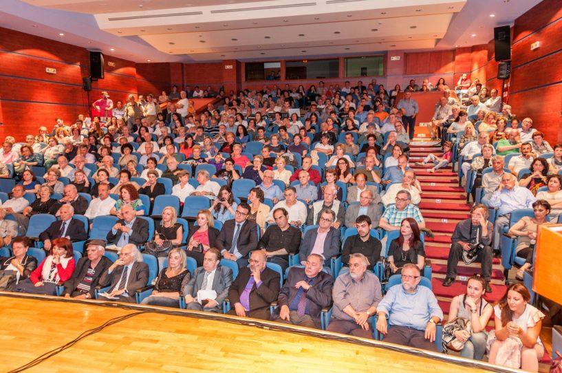 Πλήθος κόσμου στην εκδήλωση «Ξανά στην πηγή του δημοτικού τραγουδιού» στο Μεσολόγγι